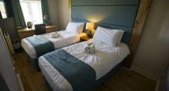 Tan Hill Inn Accommodation - Deluxe Twin