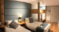 Tan Hill Inn Accommodation - Twin with Bunk Beds